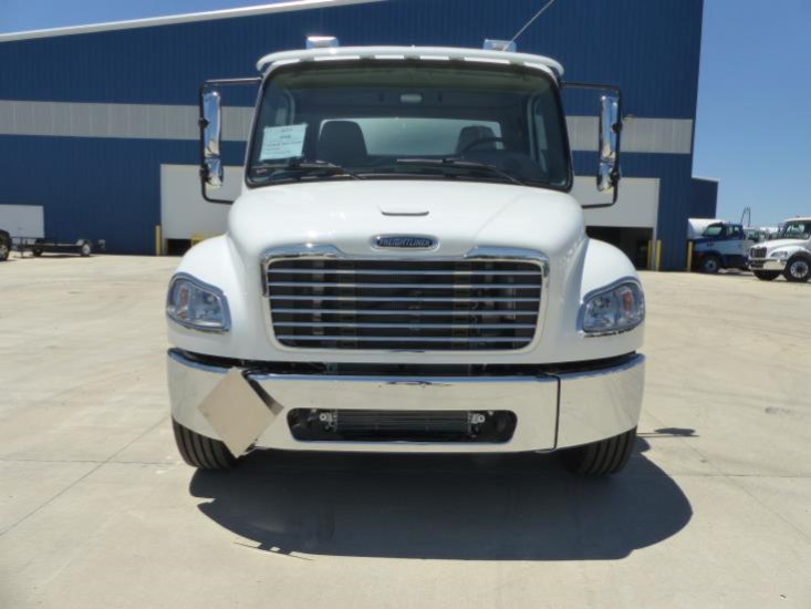 2017 Freightliner S2G with 3200 Gallon Tank